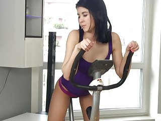 Every time Lady D works out she loves to end at hand a pussy masturbation