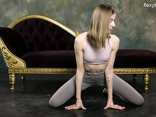 Russian gymnast Klara Lookova shows off yummy pussy with an increment of does the splits